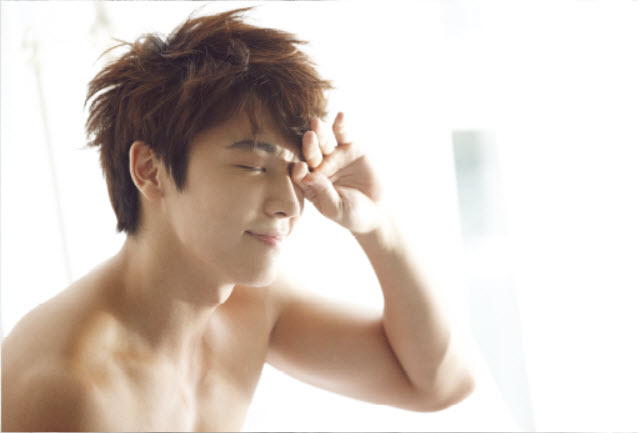 http://smtownesia2012.files.wordpress.com/2012/09/donghae-ceci-mag-sep-2012-8.png